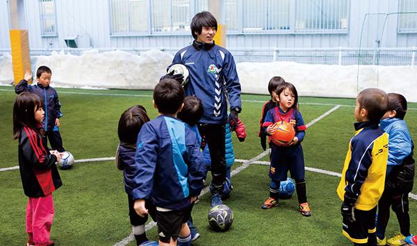 Ngay từ nhỏ, trẻ em Nhật đã được tiếp xúc với các bộ môn thể thao học đường