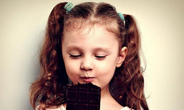 Ăn chocolate giúp trẻ cao lớn hơn