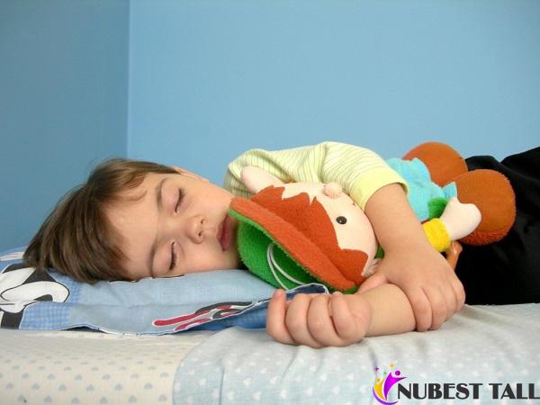 giấc ngủ rất quan trọng để phát triển chiều cao