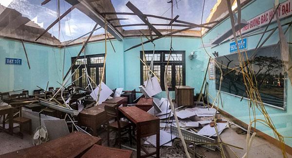 Bão lũ khiến trường học hư hại nghiêm trọng (Ảnh: Internet)