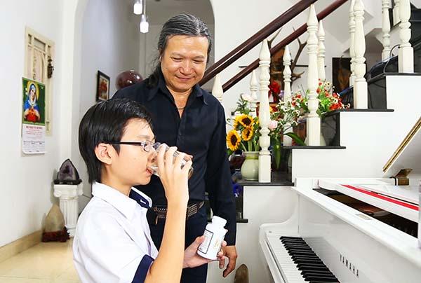 NS Minh Châu khá cẩn trọng trong việc chọn lựa TPBVSK giúp hỗ trợ tăng chiều cao cho con